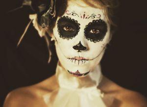 female-helloween-skull-face-makeup