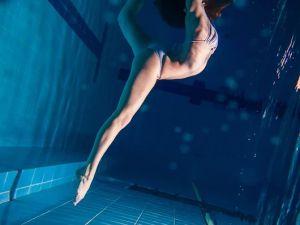 underwater-dance-01