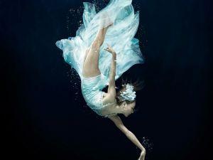 underwater-dance-52